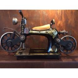 Ancienne machine Singer...