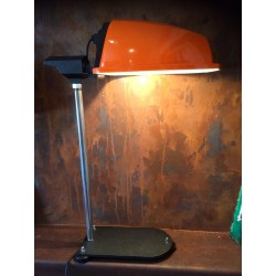 Lampe orange sur pied fonte
